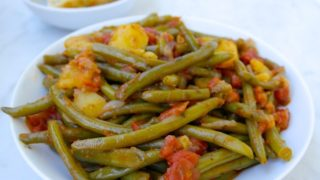 Greek Style Green Beans-Fasolakia Lathera