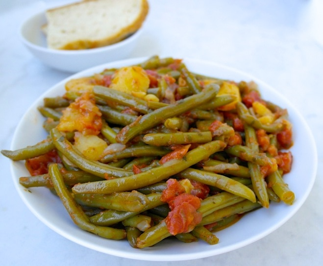 Greek Style Green Beans-Fasolakia Lathera