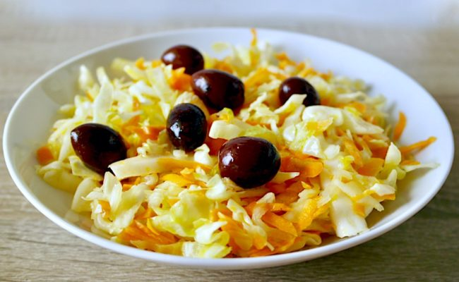 Greek cabbage and carrot salad