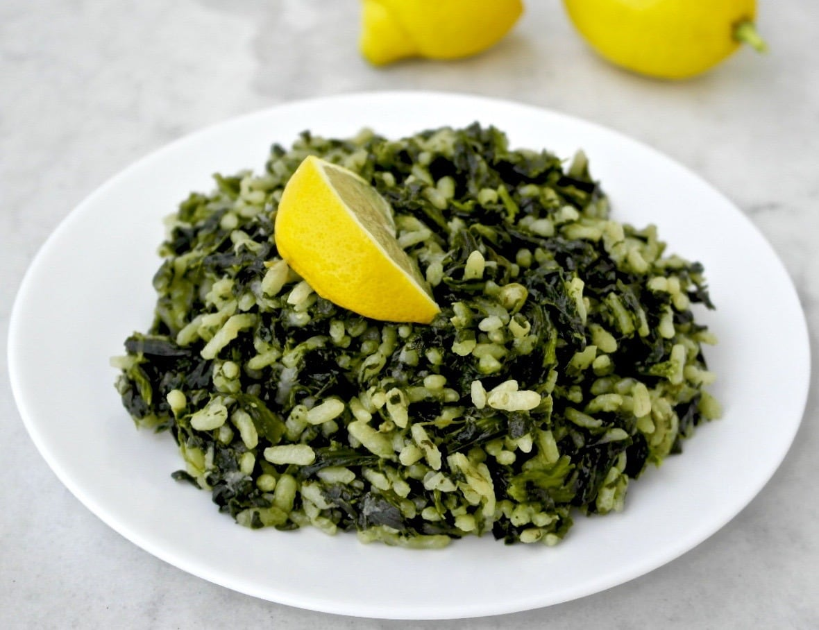 Greek Spinach and Rice - Spanakorizo | Olive Tomato