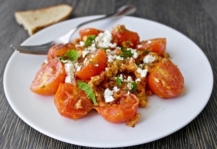 Greek Scarmbled eggs with tomatoes and feta - Kagianas