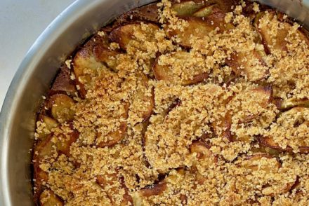 Healthy Apple olive oil cake