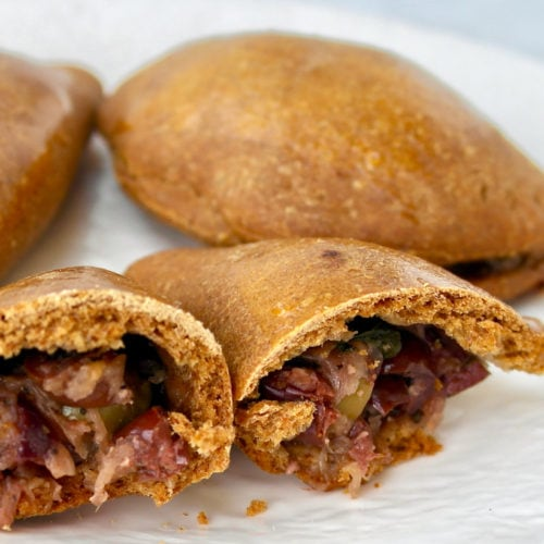 Mini empanadas de aceitunas Eliopitakia
