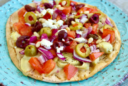 tahini pita pizza