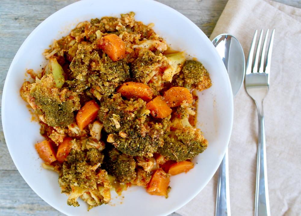 Brócoli estofado griego con ajo y tomate
