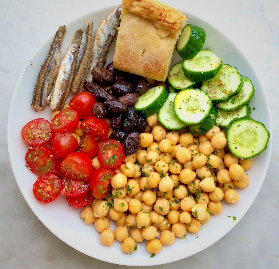 7 Surprising Things You Should Know Before Starting a Mediterranean Diet