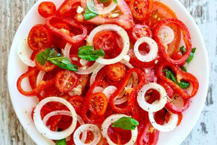 5-Ingredient Mediterranean Salad
